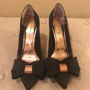 """NWOT Ted Baker black 4"""" pumps with bow detail"""